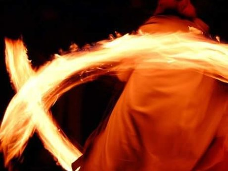 Fire Spinning and Juggling Instruct