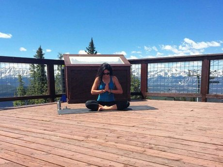 75-Minute Mountaintop Private Yoga