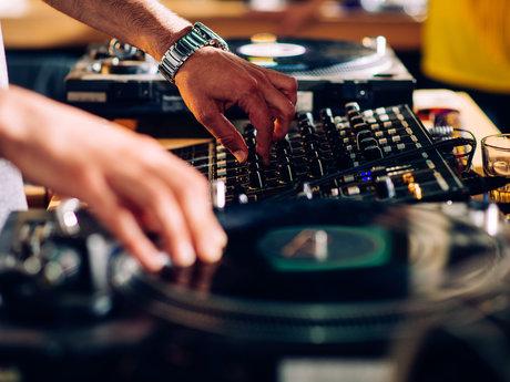 30 minute Live DJ set