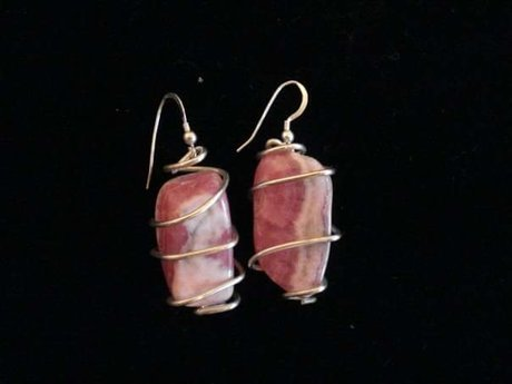 Gemstone wrapping-earrings