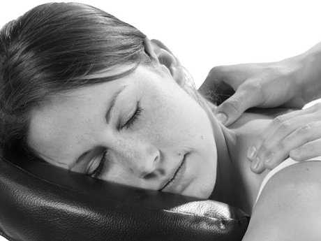45 minute clothed  massage