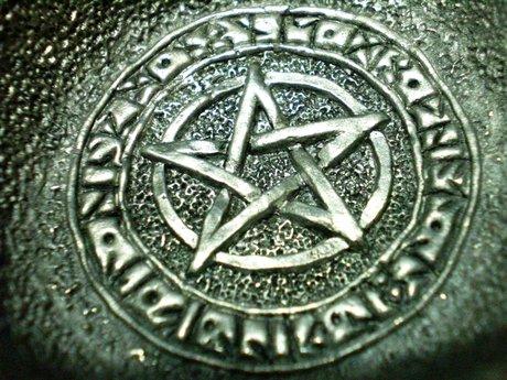 Wiccan spiritual consultant