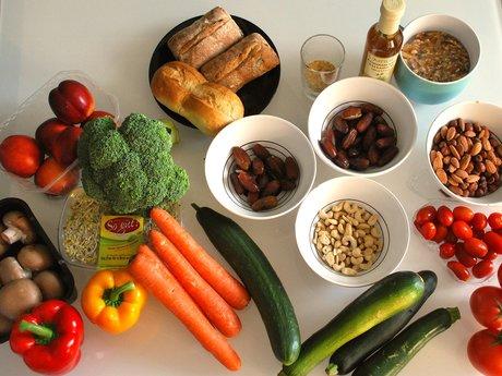 Cook/bake vegetarian and vegan food