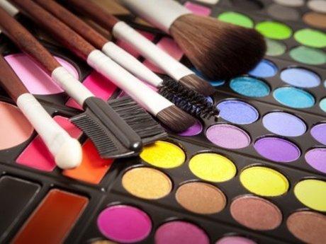 Cosmetologis/barista/florist