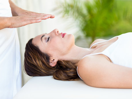 60-minute Reiki session