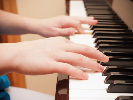 30 minute piano or singing lesson