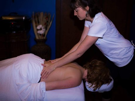 30 Minute Massage Therapy Session
