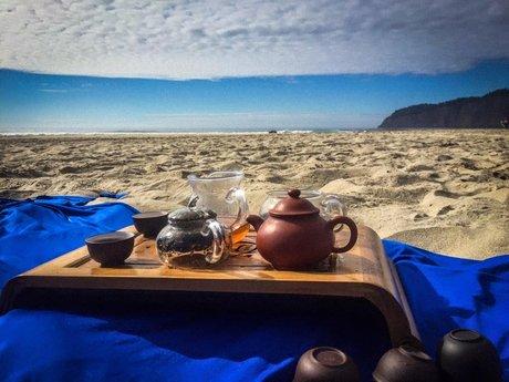 Tea Pouring - Gongfu Tea Ceremony