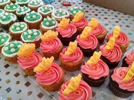 2 dozen Custom Cupcakes