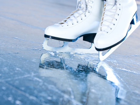 Two 30-Minute Ice Skating Lessons