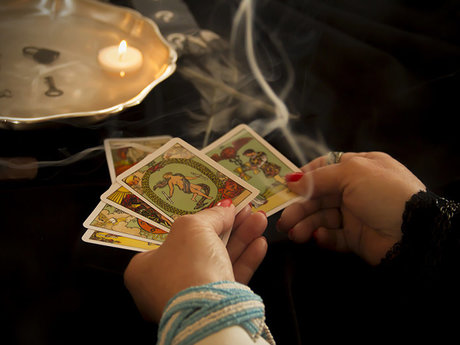Tarot and Oracle Readings 30 min