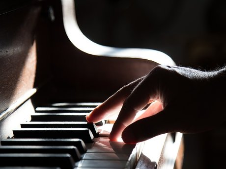 Play the piano for you