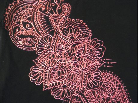 Paint you a custom henna shirt