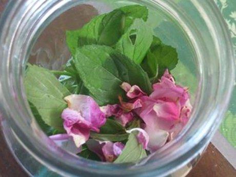 Personalized  Herbal Tea Recipe