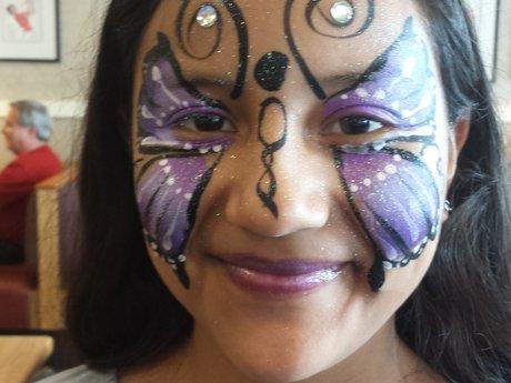 Facepainting, glitter tattoos