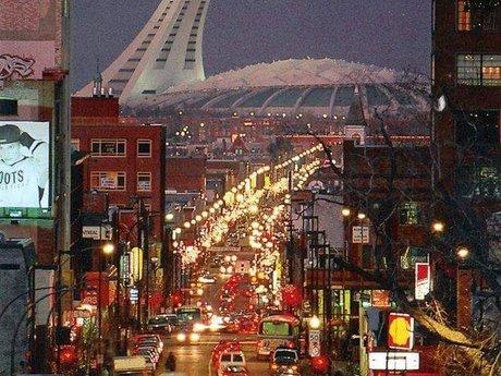 From Montréal:Receive 1 postcard