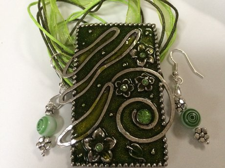 Green Enamel Pendant with Earrings